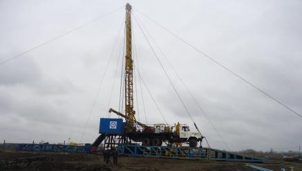 Zenith Energy working on an oil well in Azerbaijan